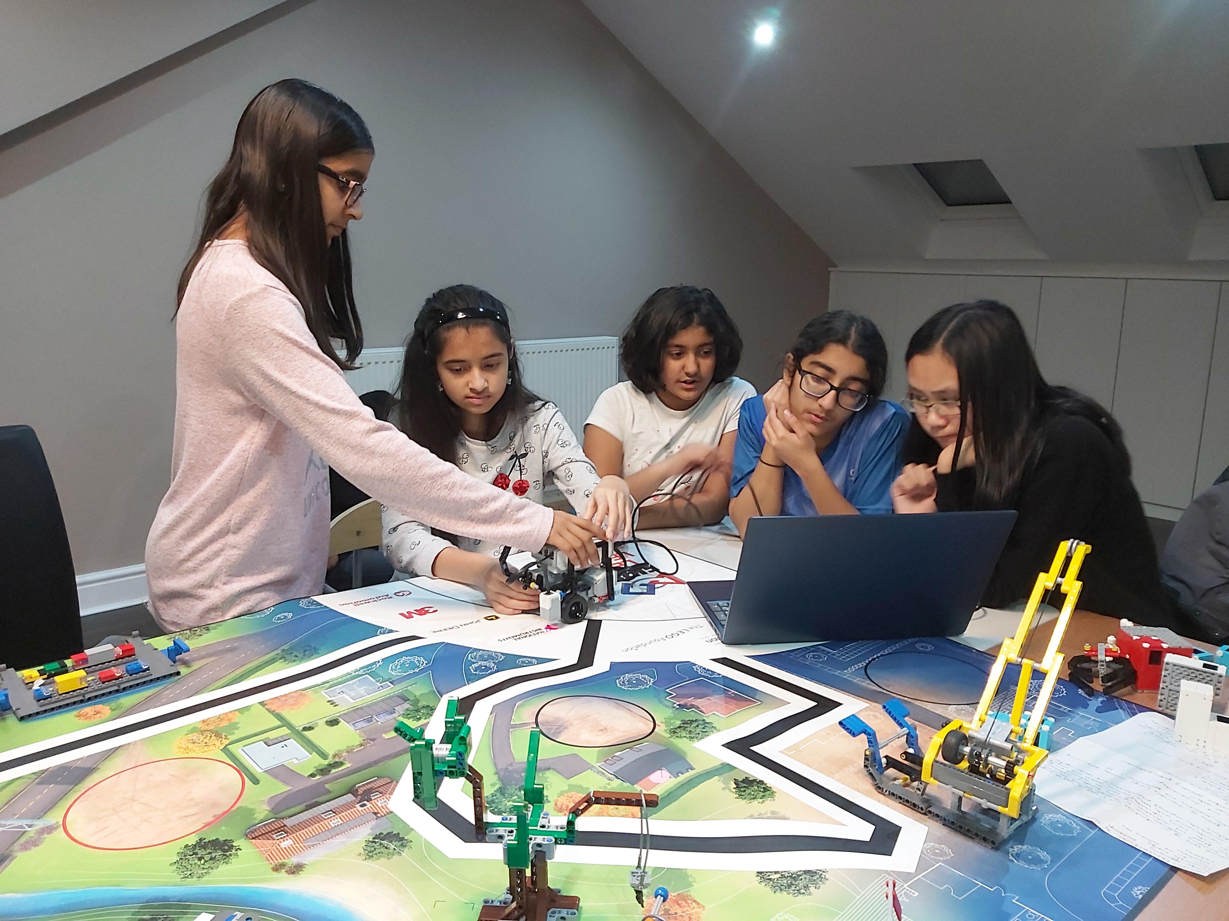 Girls In Techonolgy